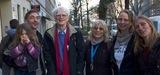 Feier im Reichenberger Kiez zum Erhalt der Bäckerei Filou