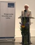 Christian Ströbele bei der Preisverleihung (Foto: Senator Dr. Dirk Behrendt)
