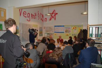 Pressekonferenz in Kreuzberg