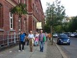 Rundgang mit AnwohnerInnen im Thälmann-Park