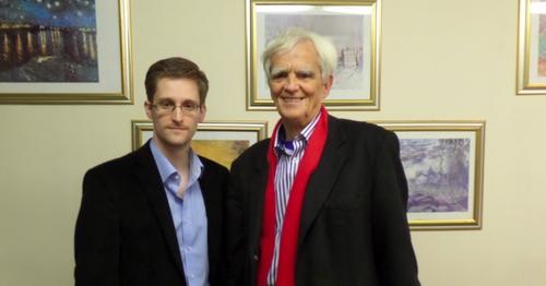 Ströbele trifft Snowden in Moskau