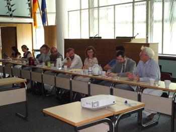 Christian Ströbele berichtet dem Beirat für Integration und Migration Friedrichshain-Kreuzberg vom NSU-Untersuchungsausschuss