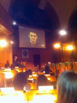 Edward Snowden zugeschaltet
